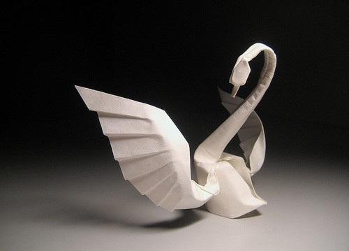Оригами лебедь от Hoang Tien