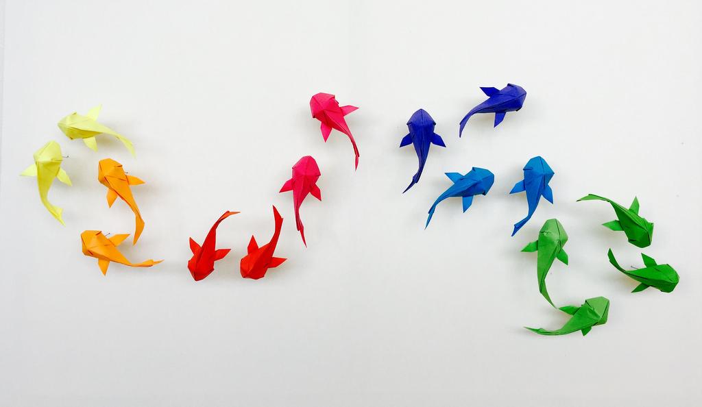 Оригами стена из карпов. Как сложить оригами карпов?